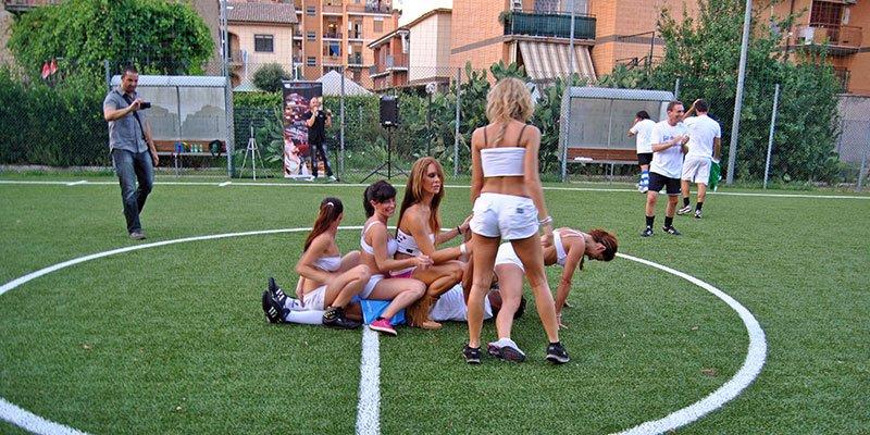 feste di compleanno con sexy soccer