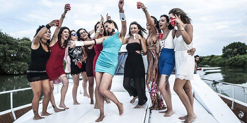 Yacht per addio al nubilato roma