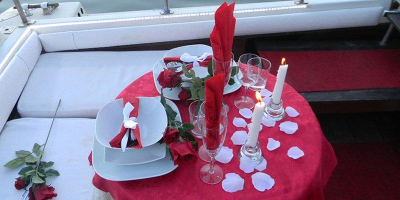 serata romantica in barca