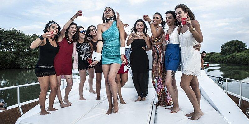 Festa in barca per Addio al Nubilato