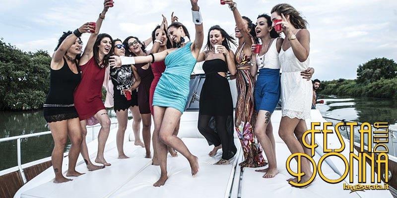 Festa della donna in barca