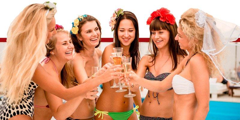 Pool Party Addio al Nubilato in Piscina