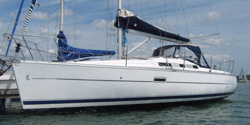 Barca-a-vela-Beneteau-Oceanis-323