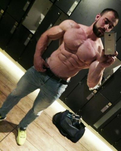 Marco spogliarellista Roma