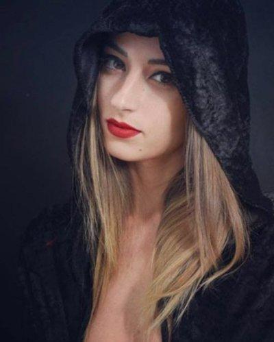 Poison Valentina spettacolo sexy Milano