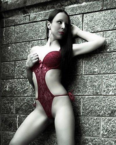 Valentina stripgirl Milano