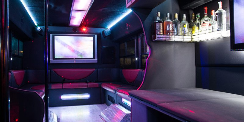 Feste sul luxury bus