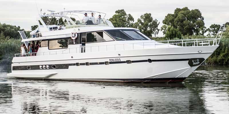 Addio al Celibato in Feste in barca o yacht a Napoli